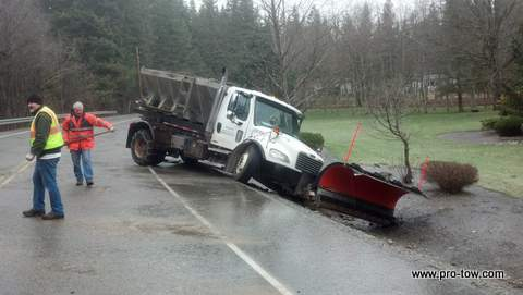 KC Sanding Truck Recovery Ravensdale, WA