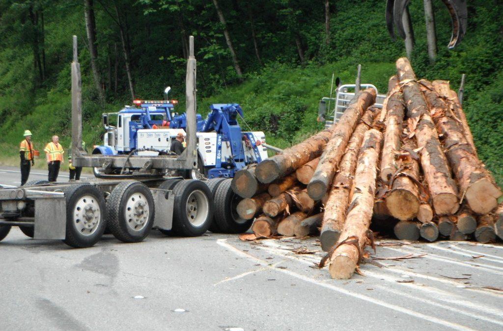 Log Truck Lost Load: SR18 Auburn, WA