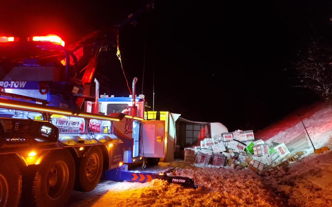 International Box Truck Recovery Overturned in Preston, WA on I-90