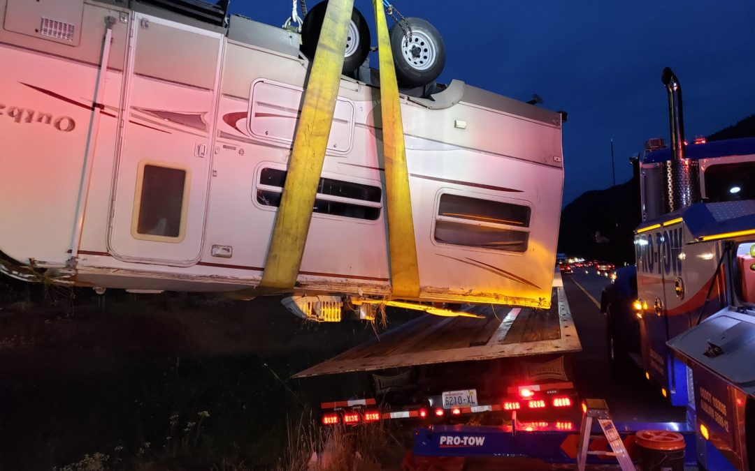 Upside Down Outback – Truck Accident Recovery Goes Into The Night