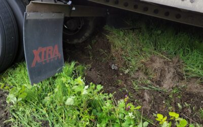 Tipper in the Ditch: Semi-Truck Recovery